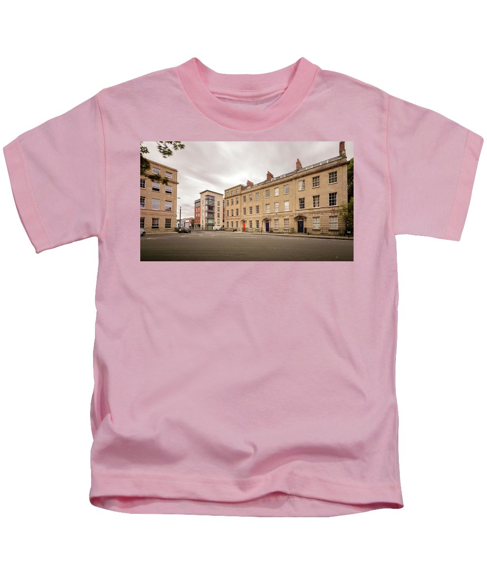 Architecture Kids T-Shirt featuring the photograph No 18-21 Portland Square Bristol England A by Jacek Wojnarowski