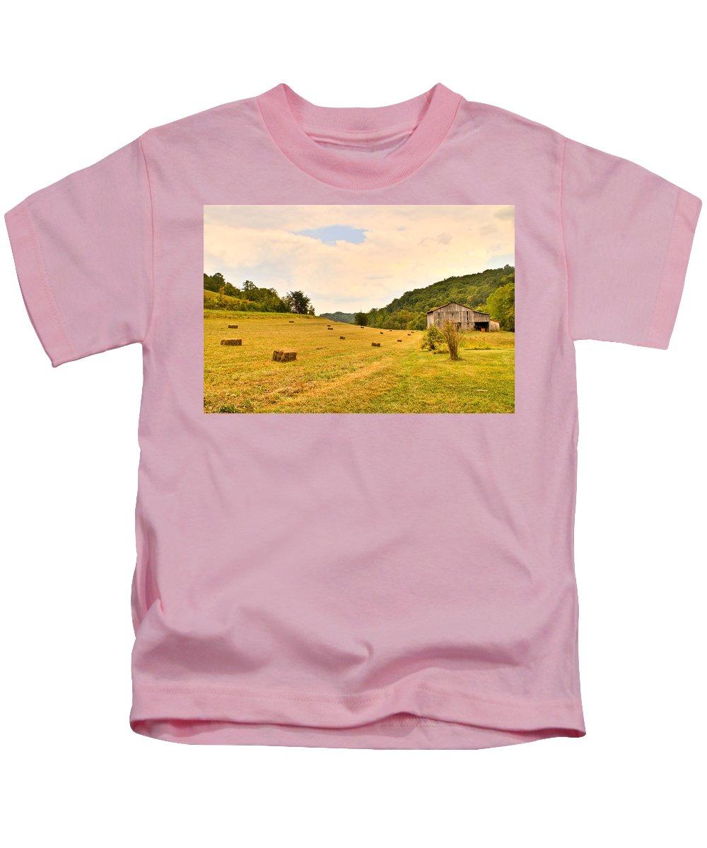 Pastorial Kids T-Shirt featuring the photograph Pastorial Framland In Kentucky by Douglas Barnett