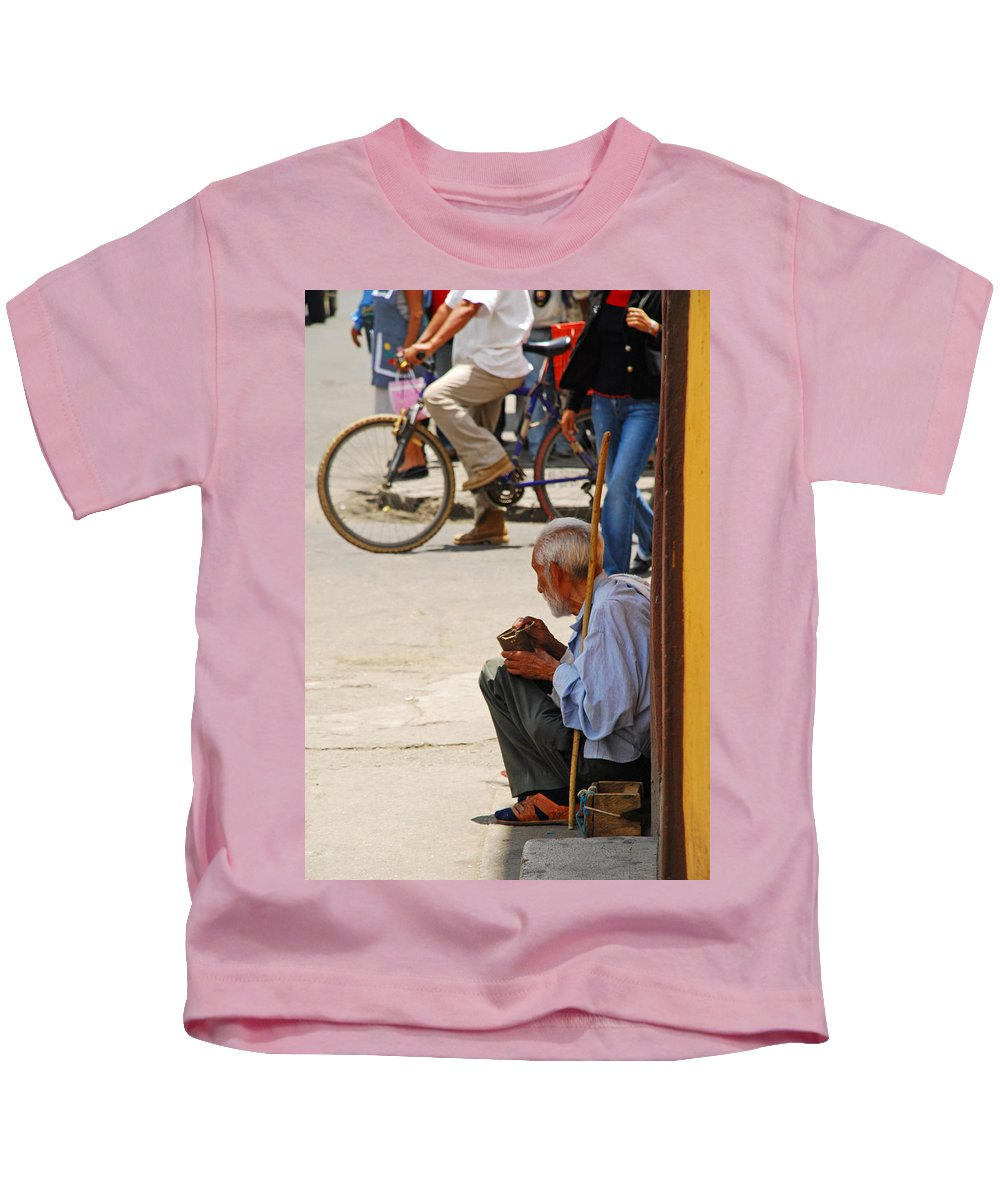 Beggar Kids T-Shirt featuring the photograph Un Peso Por Favor by Skip Hunt