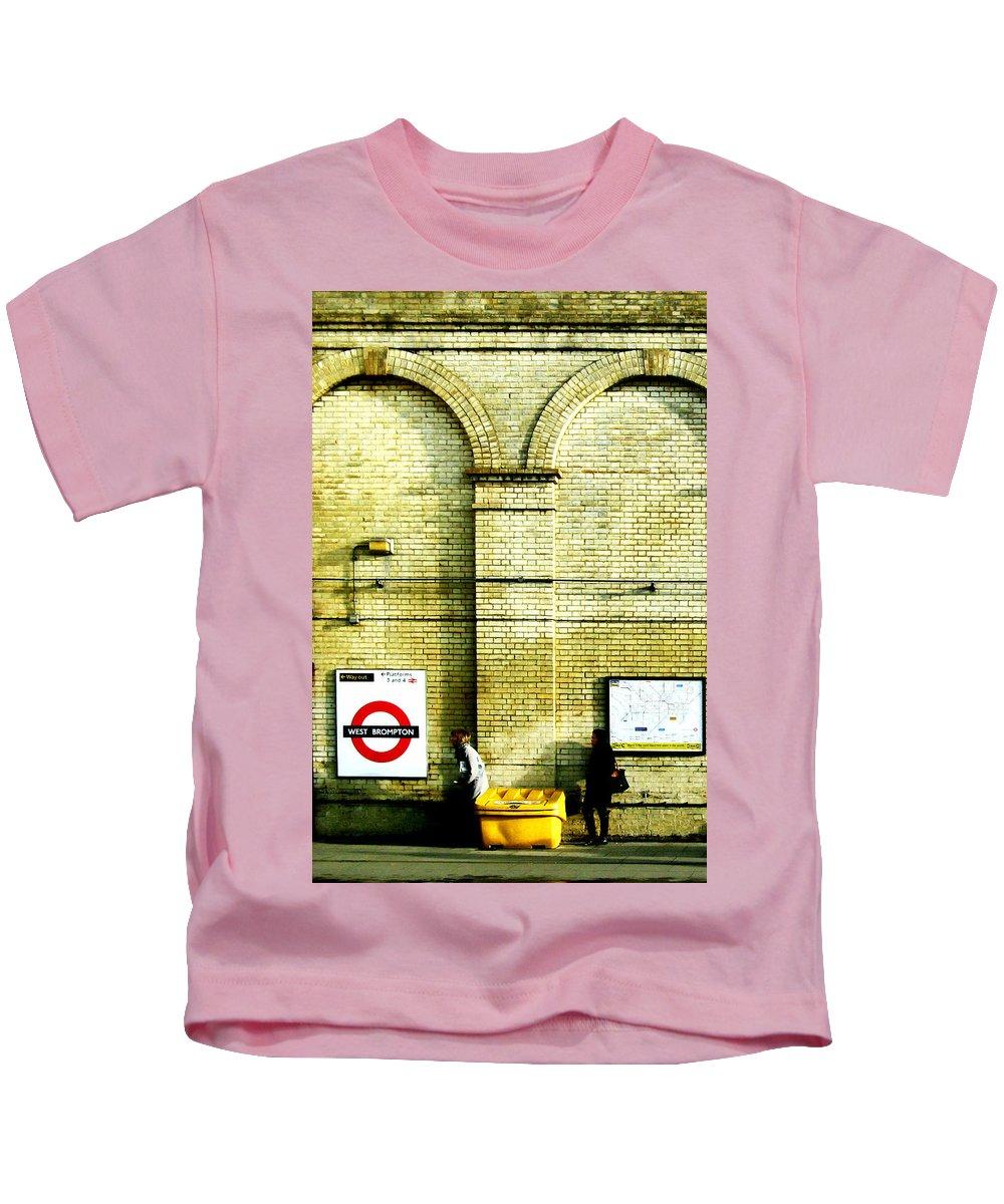 London Kids T-Shirt featuring the photograph West Brompton by Osvaldo Hamer
