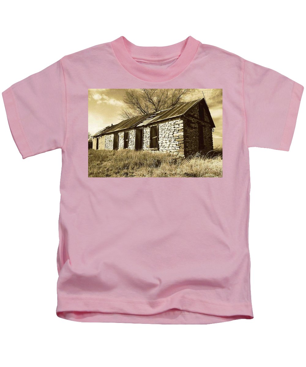 New Mexico Kids T-Shirt featuring the photograph Yeso New Mexico 1 by Nelson Strong