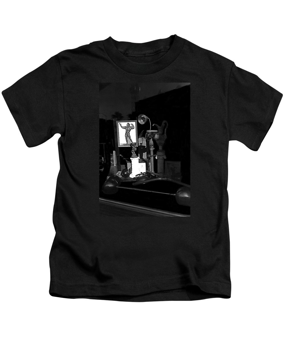 Film Noir Richard Widmark Night And The City 1950 1 Johnny Gibson Health And Gym Equipment Tucson Kids T-Shirt featuring the photograph Film Noir Richard Widmark Night And The City 1950 1 Johnny Gibson Health And Gym Equipment Tucson by David Lee Guss