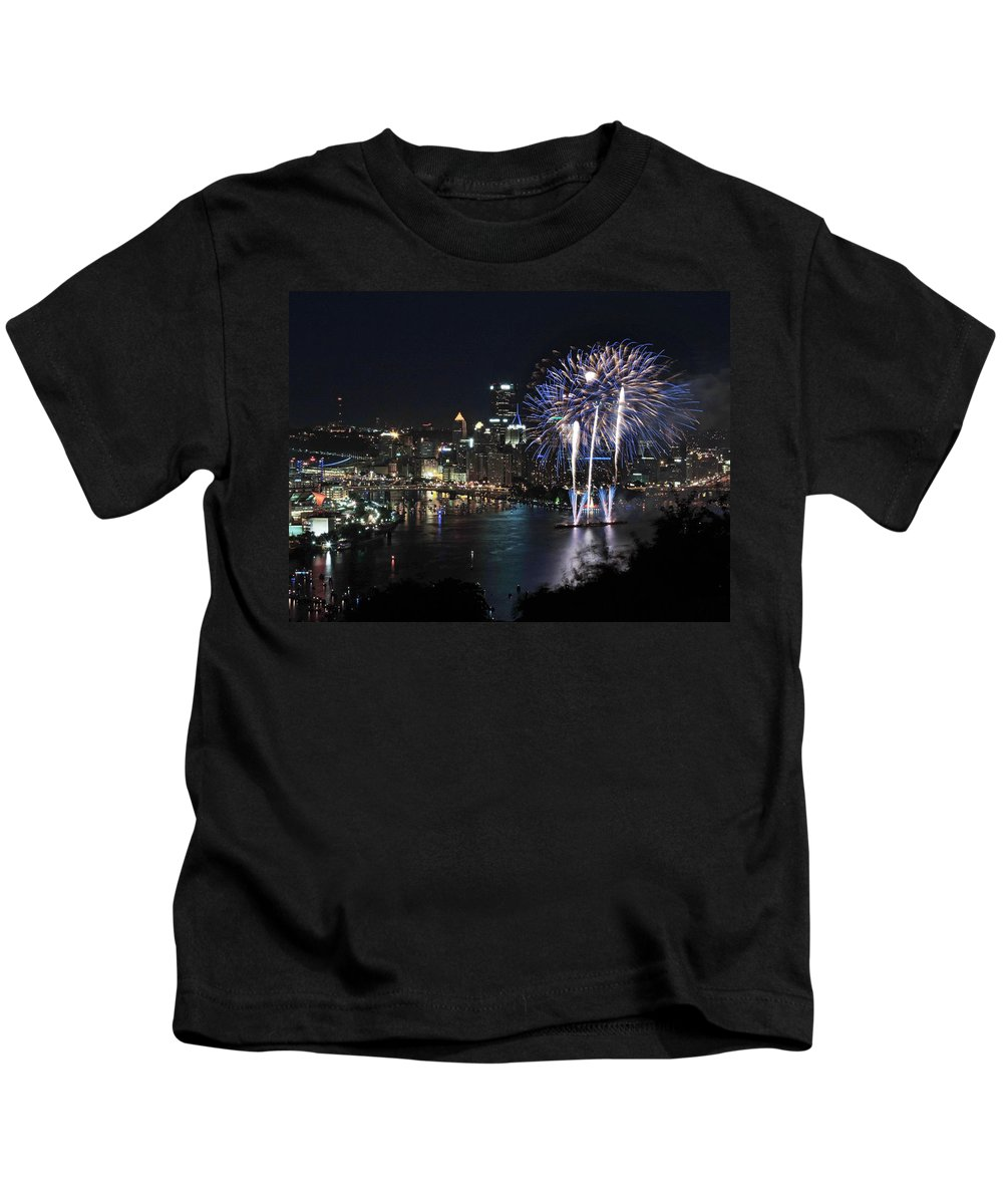 City Kids T-Shirt featuring the photograph Pittsburgh Fireworks At Night by Cityscape Photography