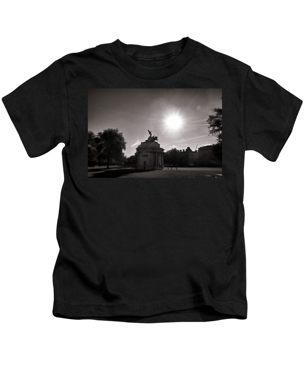 Angel Of Peace Kids T-Shirt featuring the photograph Statue Of Angel Of Peace Atop The Wellington Arch by Ashish Agarwal