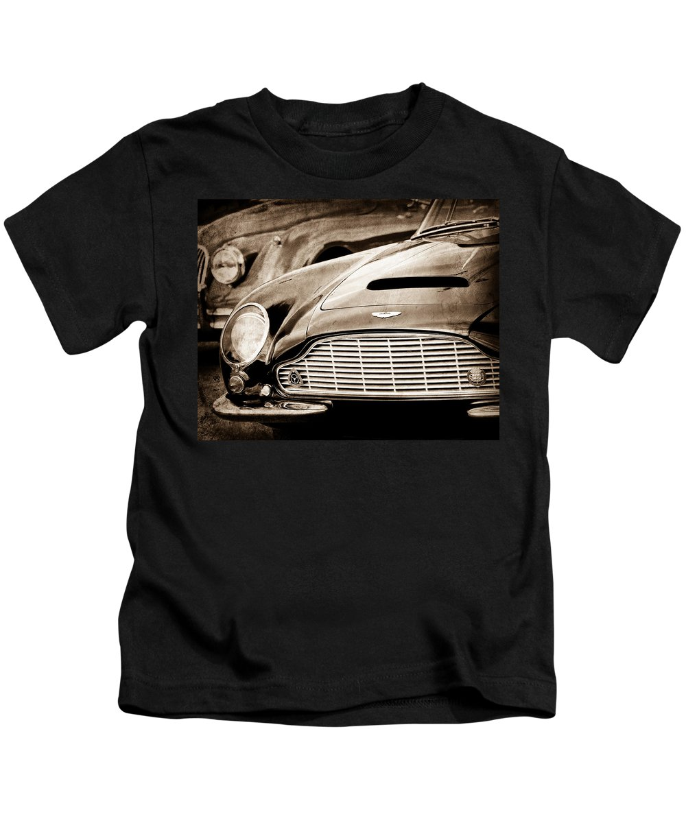 1965 Aston Martin Db6 Short Chassis Volante Grille Kids T-Shirt featuring the photograph 1965 Aston Martin Db6 Short Chassis Volante Grille by Jill Reger