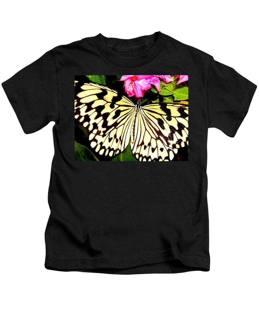 Butterfly Kids T-Shirt featuring the photograph Butterfly by Cynthia Amaral