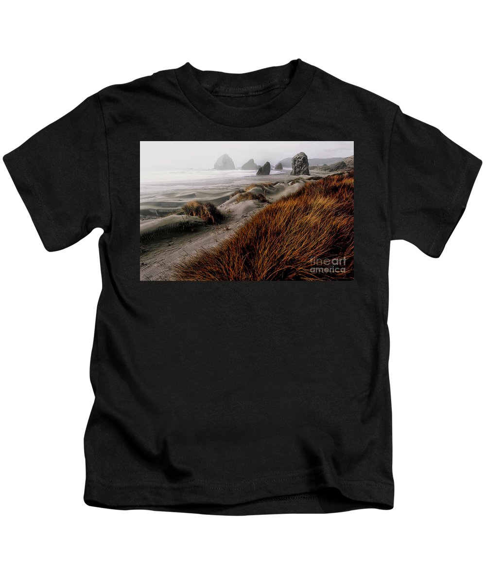 Oregon Kids T-Shirt featuring the photograph The Oregon Coast by Mike Nellums