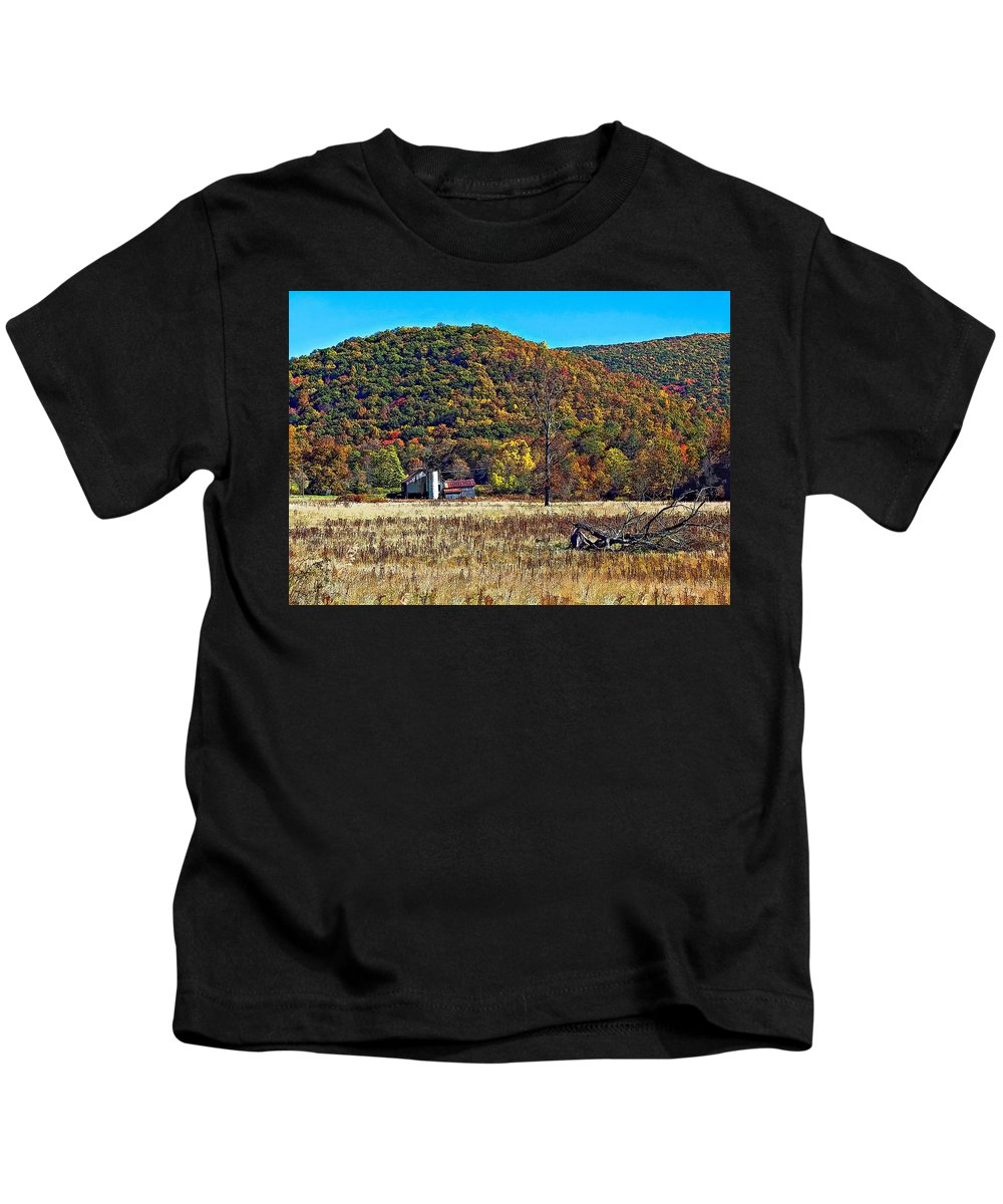 West Virginia Kids T-Shirt featuring the photograph Autumn Farm by Steve Harrington
