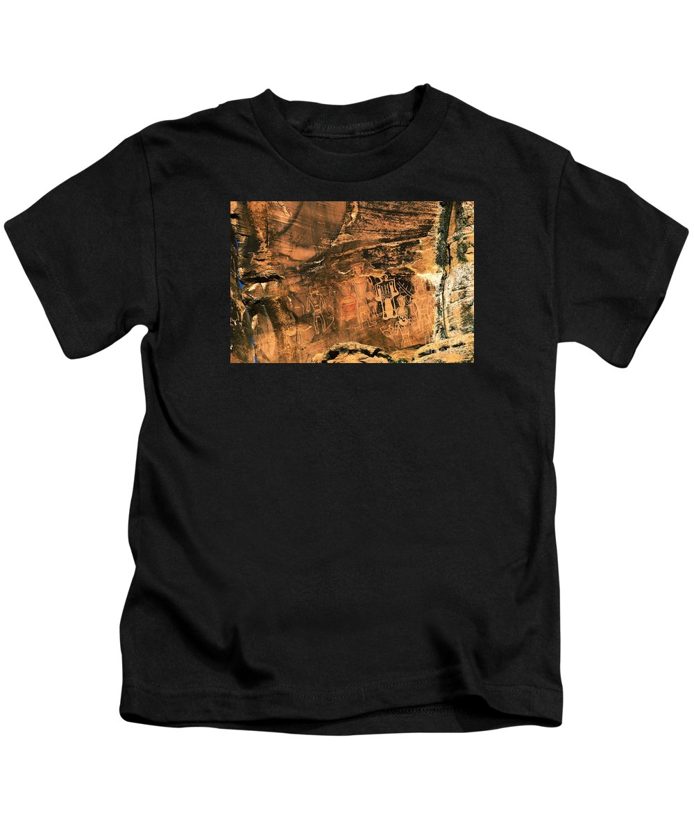 Utah Kids T-Shirt featuring the photograph 3 Kings Rock Art by Thomas Levine