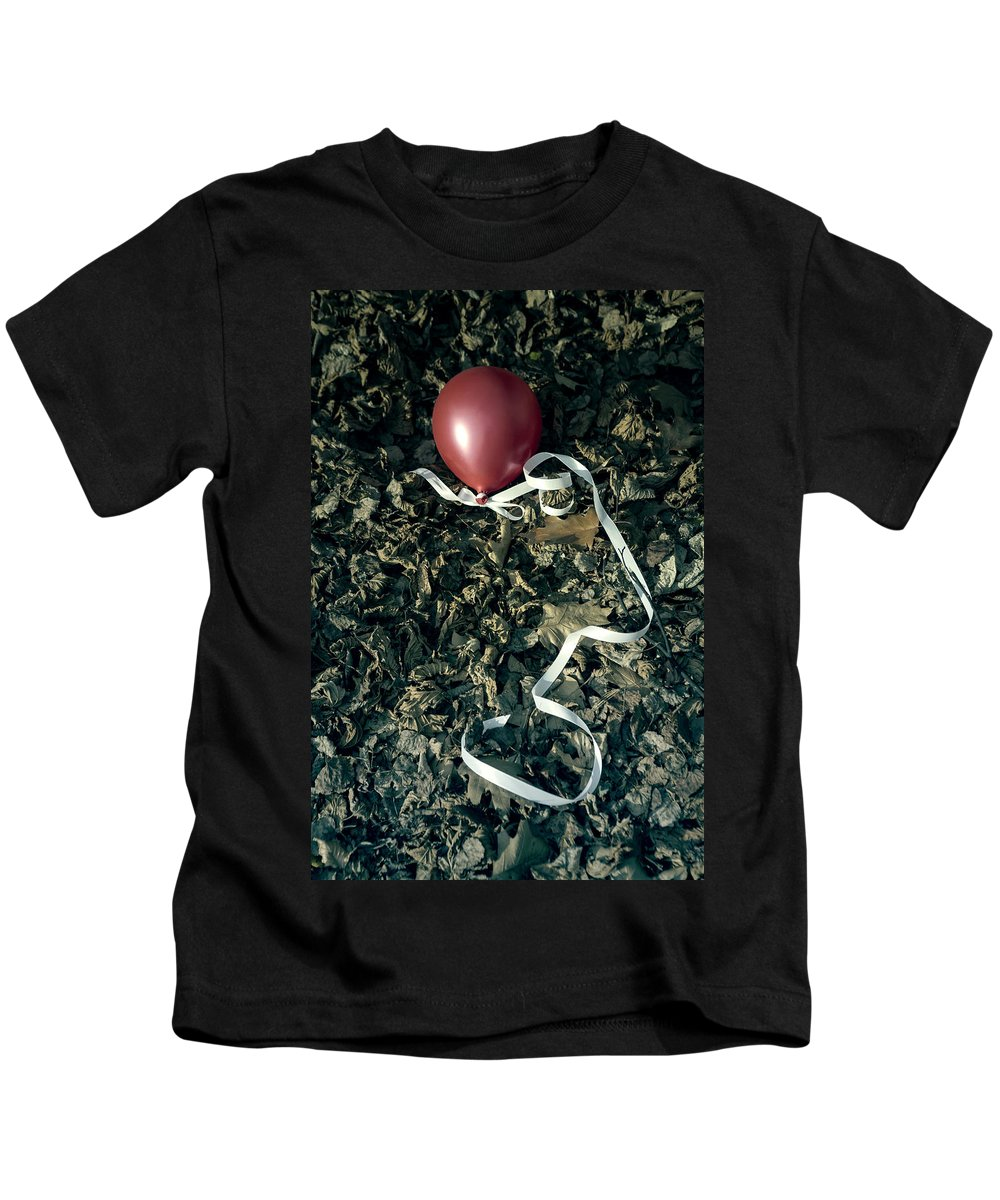 Balloon Kids T-Shirt featuring the photograph Red Balloon by Joana Kruse