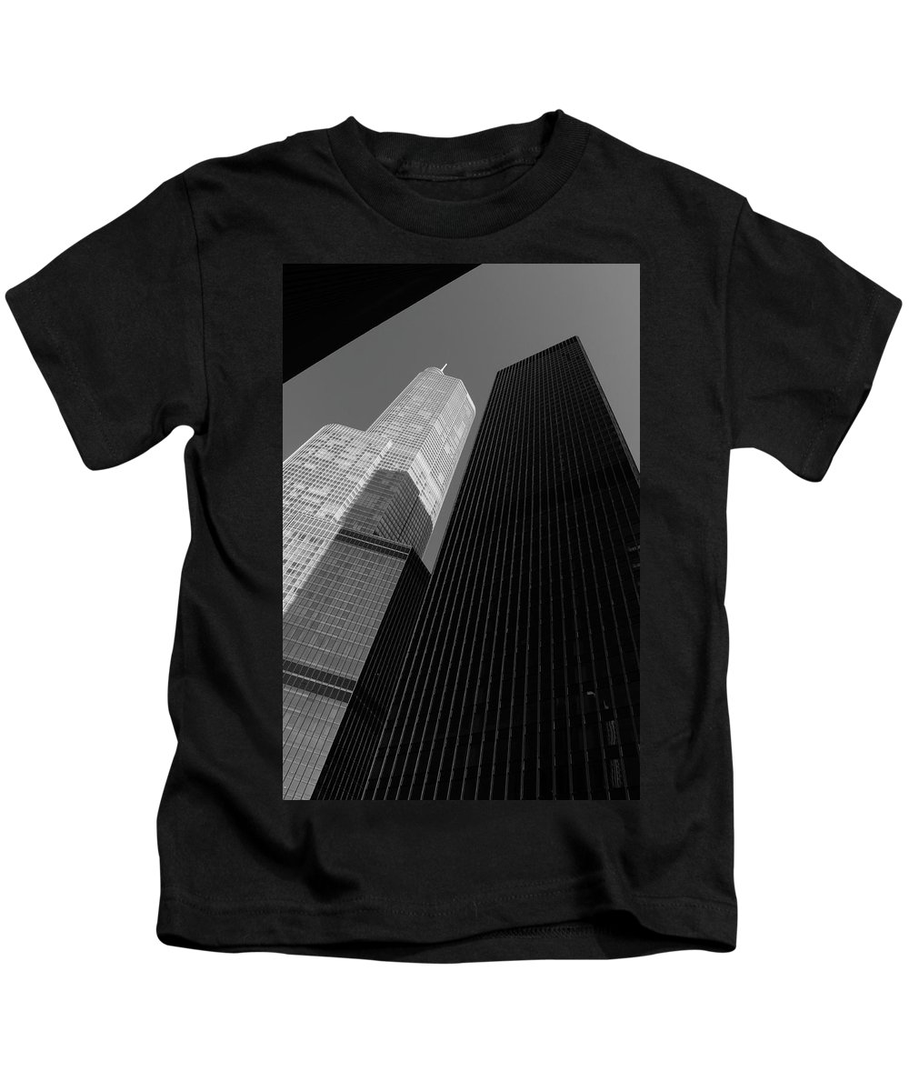 America Kids T-Shirt featuring the photograph Chicago Skyscrapers by Frank Romeo