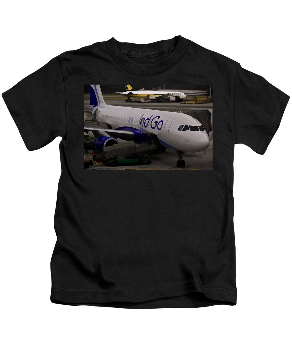 Aerobridge Kids T-Shirt featuring the photograph Indigo Aircraft Getting Ready In Changi Airport by Ashish Agarwal