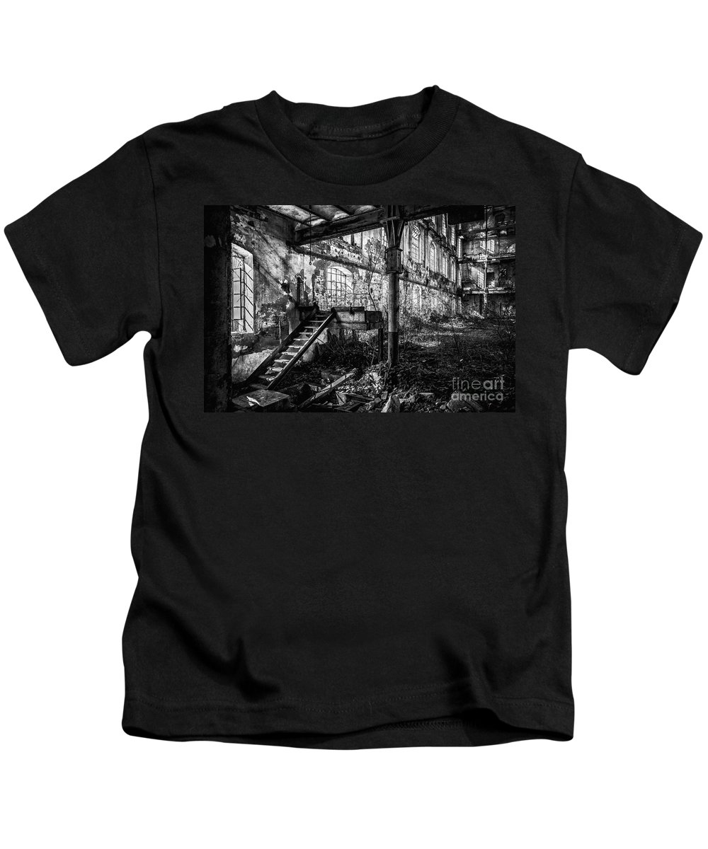 Abandoned Kids T-Shirt featuring the photograph Abandoned Sugar Mill by Traven Milovich