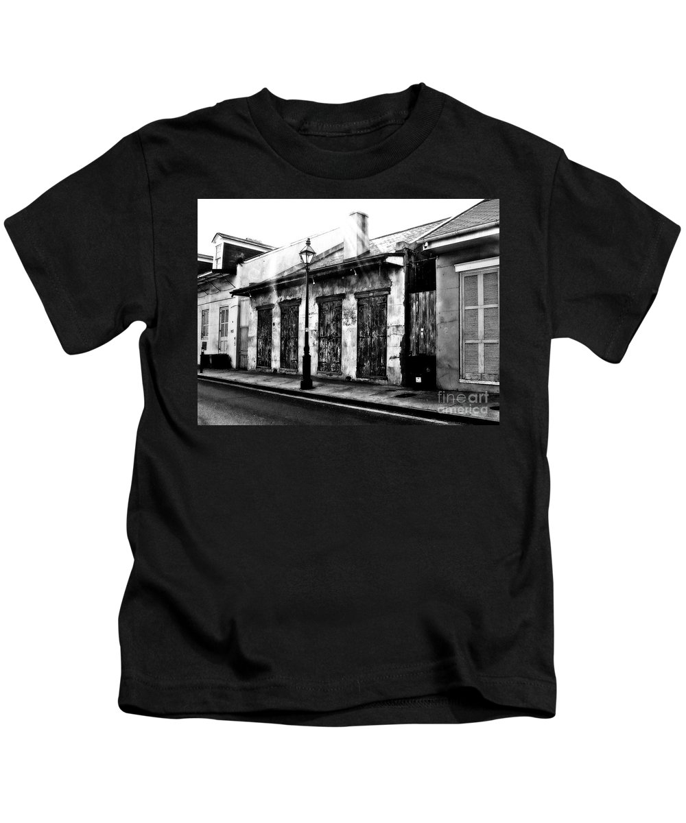 Street Scene Kids T-Shirt featuring the photograph A Look Of Yesteryear by Frances Ann Hattier