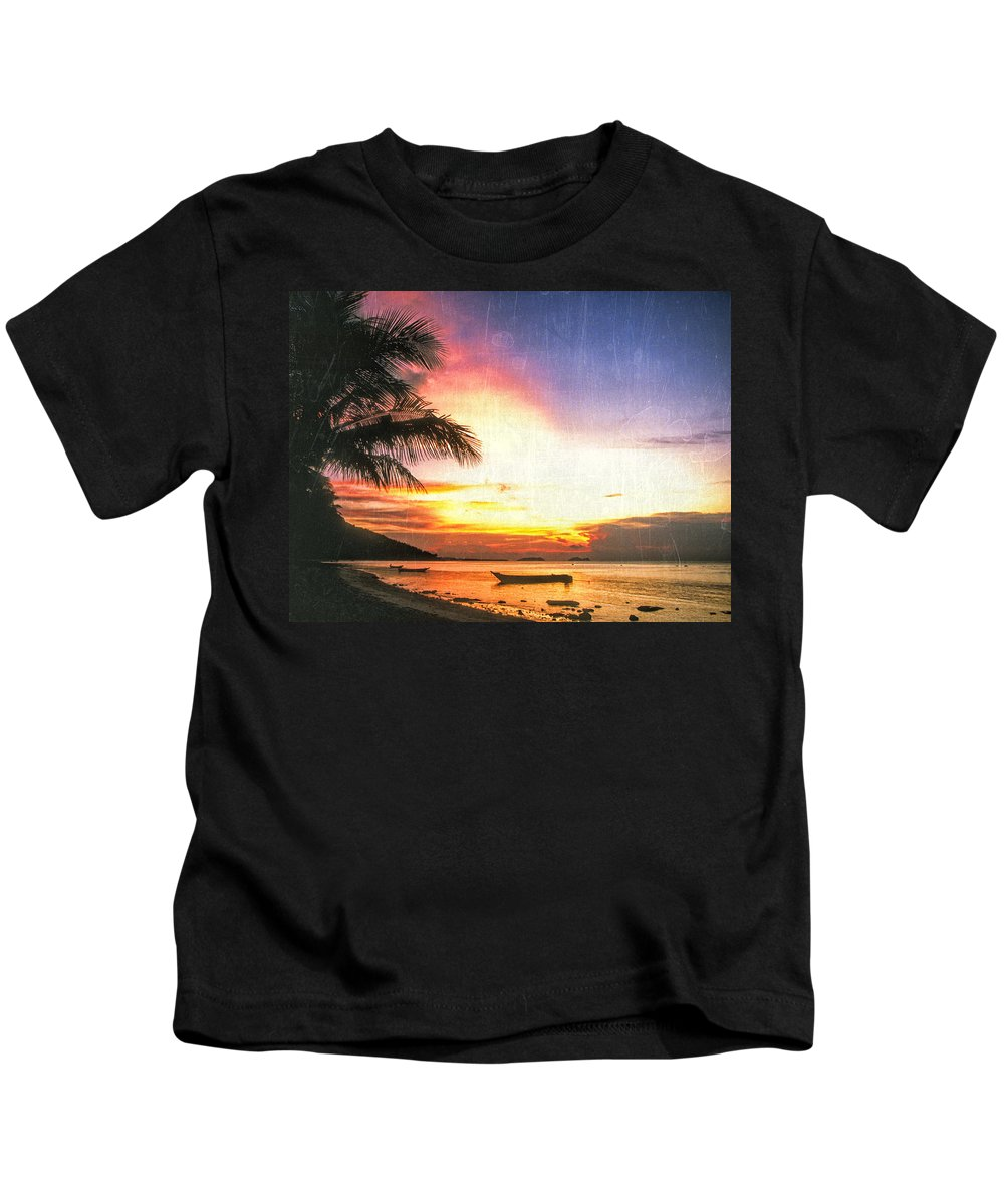 Hawaii Kids T-Shirt featuring the photograph A Simpler Time by Dominic Piperata