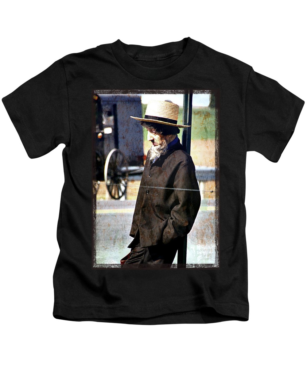 Amish Man Kids T-Shirt featuring the photograph Amish Man Waiting by Alice Gipson