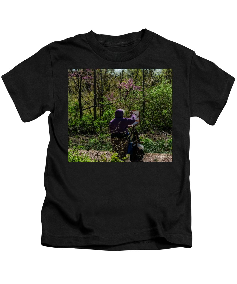 Heron Heaven Kids T-Shirt featuring the photograph Artist At Work by Edward Peterson
