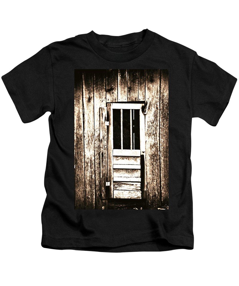 Barn Door Kids T-Shirt featuring the photograph Barn Door by Chastity Hoff