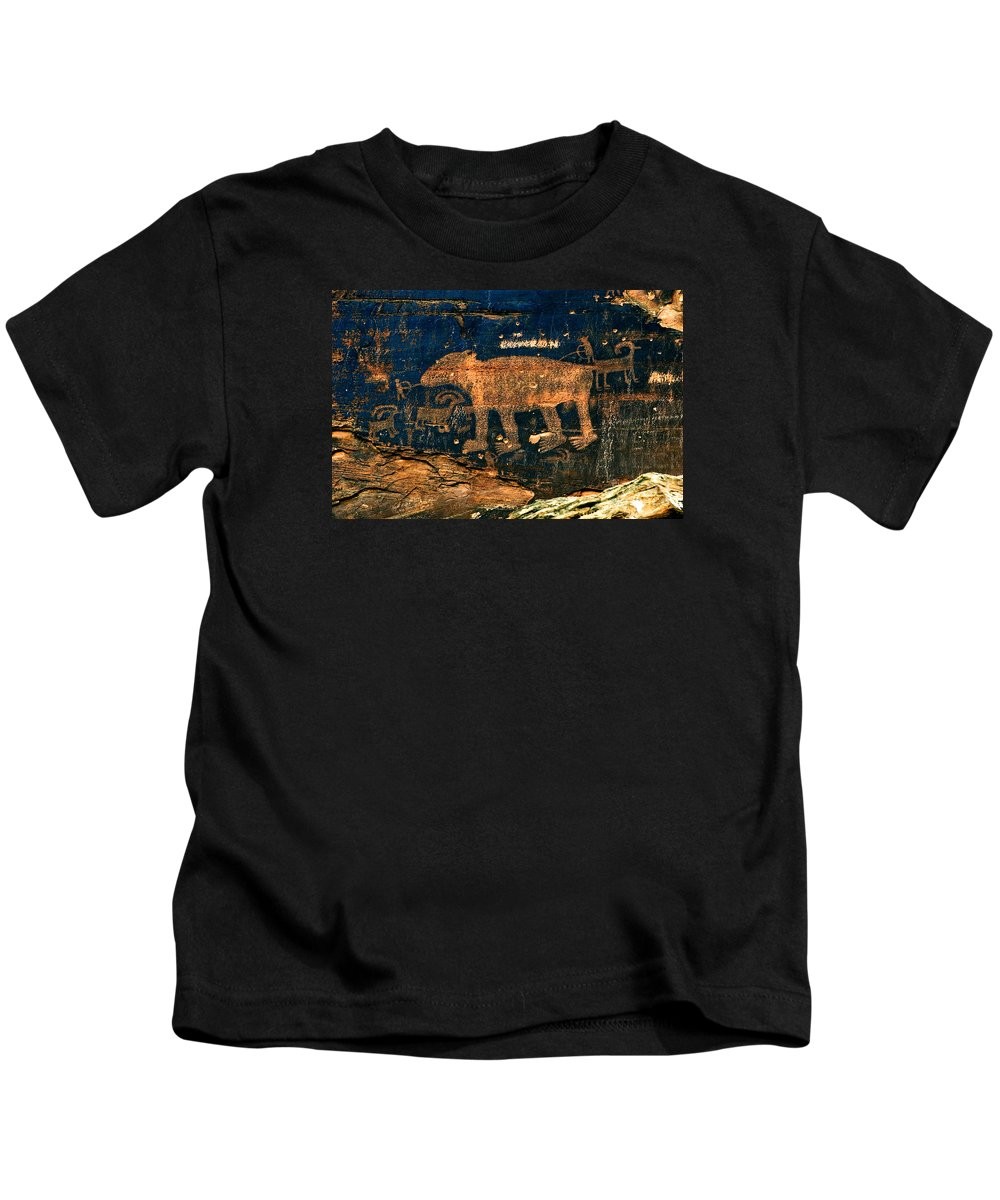 Petroglyph Kids T-Shirt featuring the photograph Bear Wall by Thomas Levine