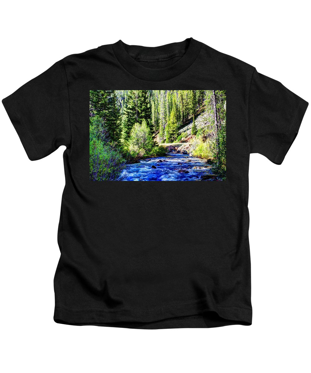 Creek Kids T-Shirt featuring the photograph Belt Creek by John Lee