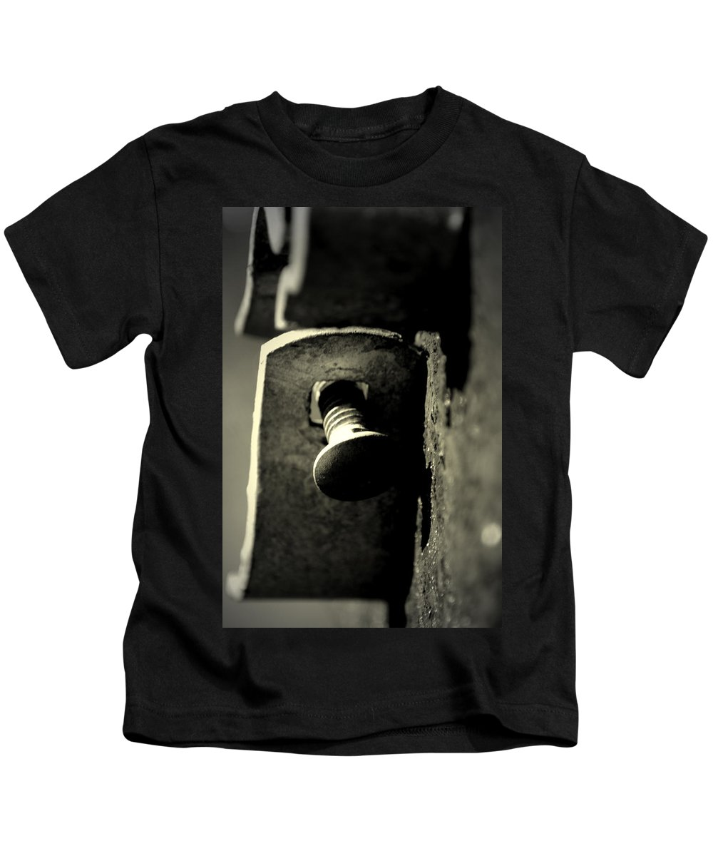 Hardware Kids T-Shirt featuring the photograph Broken Latch by David Weeks