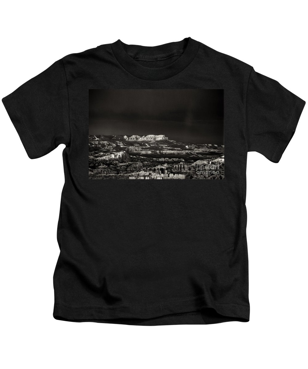 North America Kids T-Shirt featuring the photograph Bryce Canyon Formations In Black And White by Dave Welling