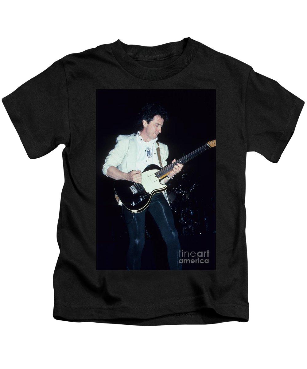 Buck Dharma Kids T-Shirt featuring the photograph Buck Dharma by David Plastik