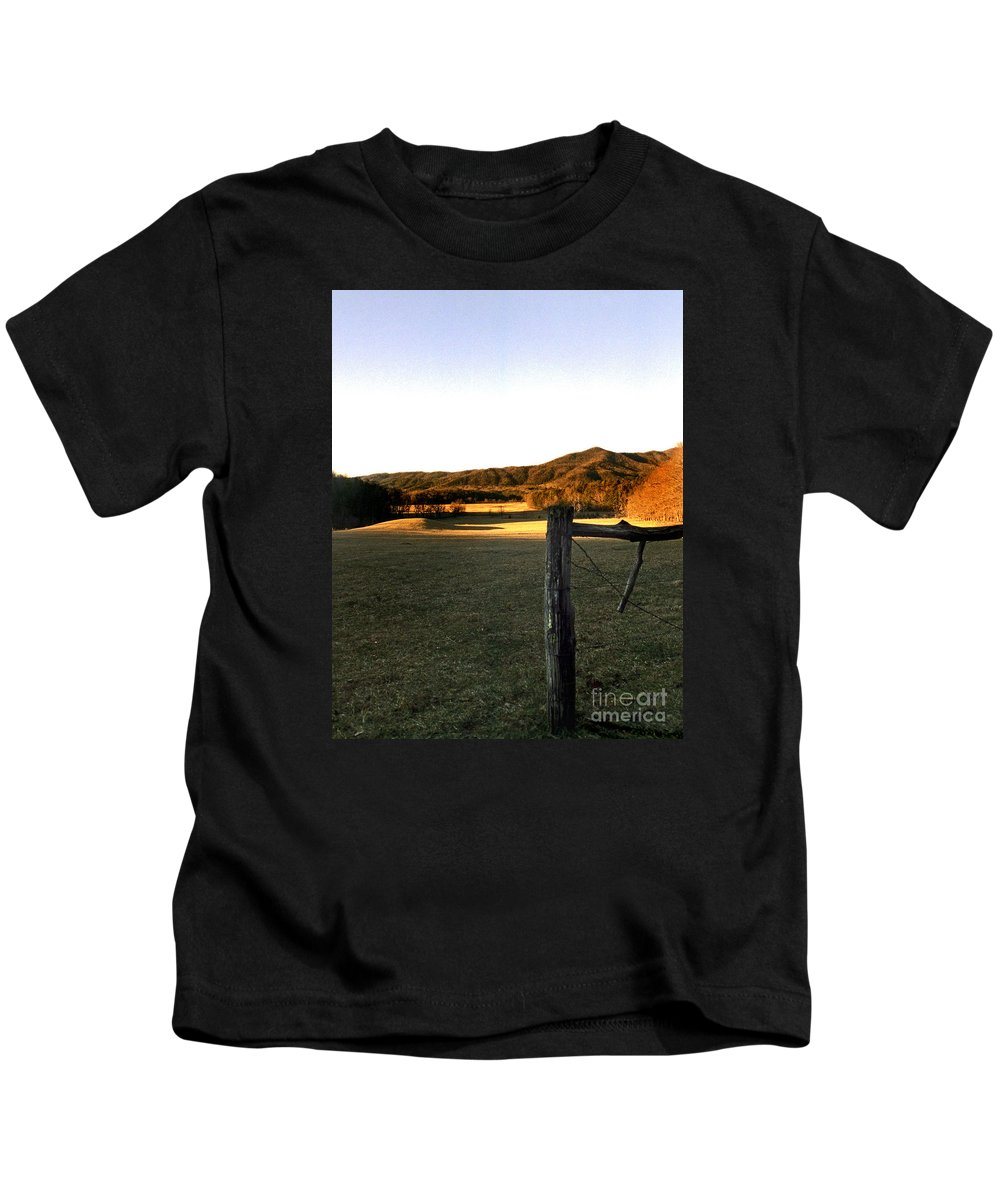 Tn Kids T-Shirt featuring the photograph Cades Cove by Skip Willits