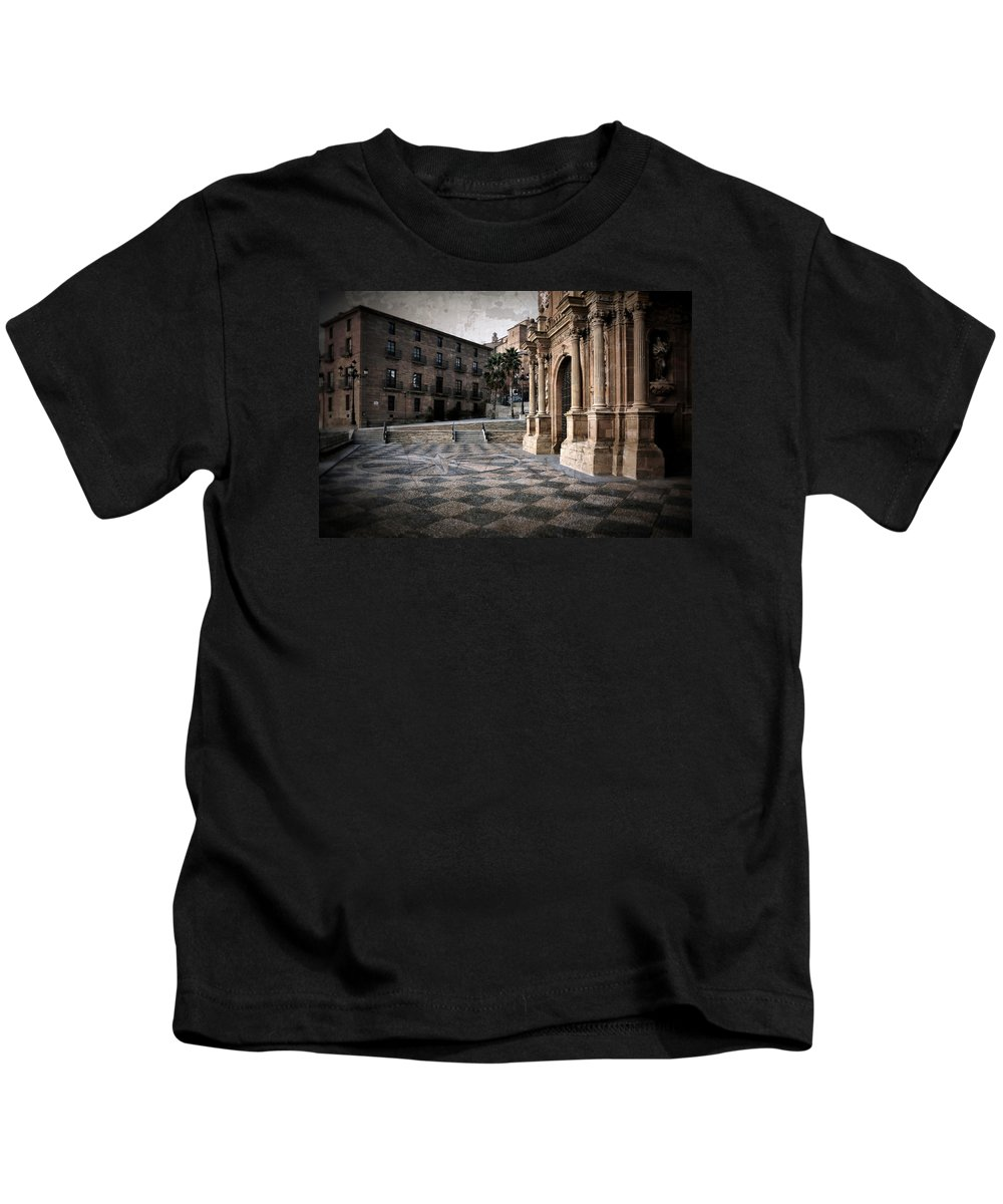 Calahorra Kids T-Shirt featuring the photograph Calahorra Cathedral And Palace by RicardMN Photography