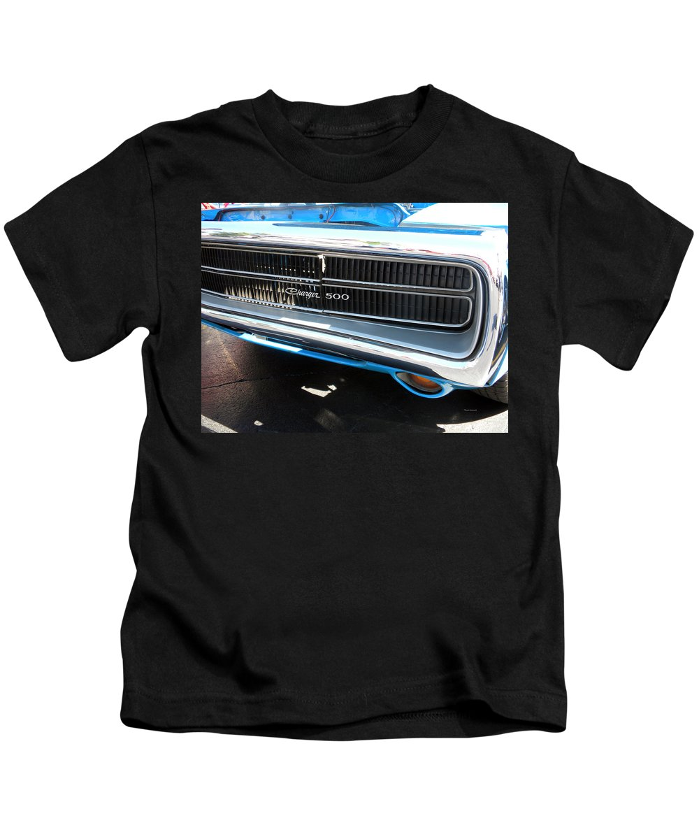 Chrysler Kids T-Shirt featuring the photograph Charger 500 Front Grill And Emblem by Thomas Woolworth