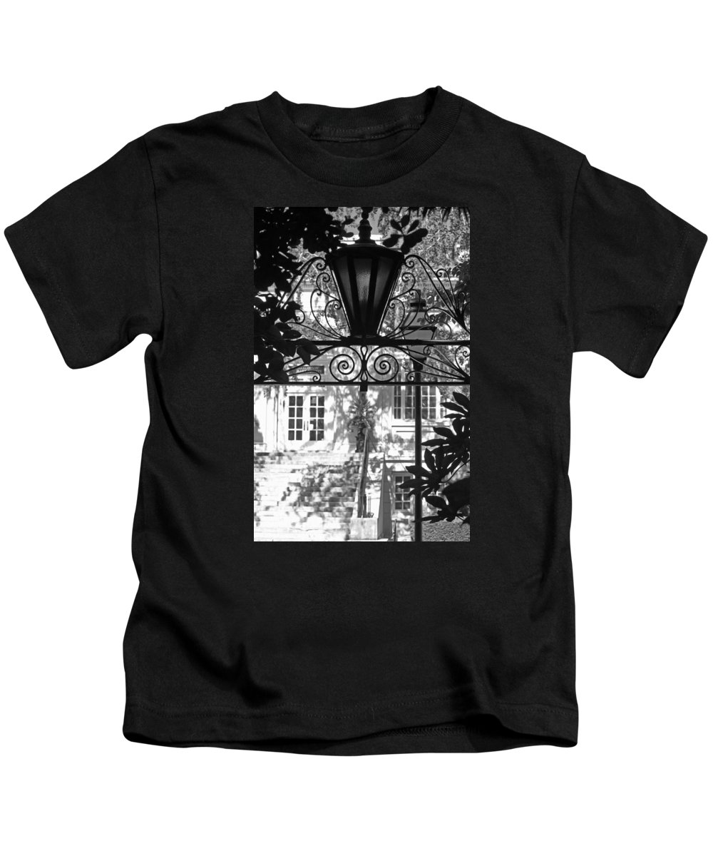 Lantern Kids T-Shirt featuring the photograph Charleston Gateway II In Black And White by Suzanne Gaff