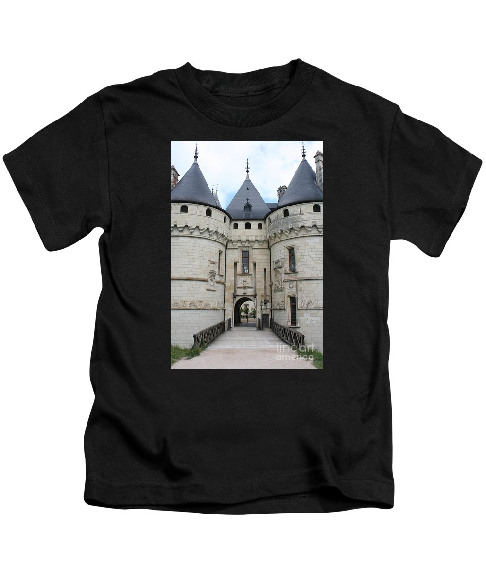 Palace Kids T-Shirt featuring the photograph Chateau De Chaumont - France by Christiane Schulze Art And Photography