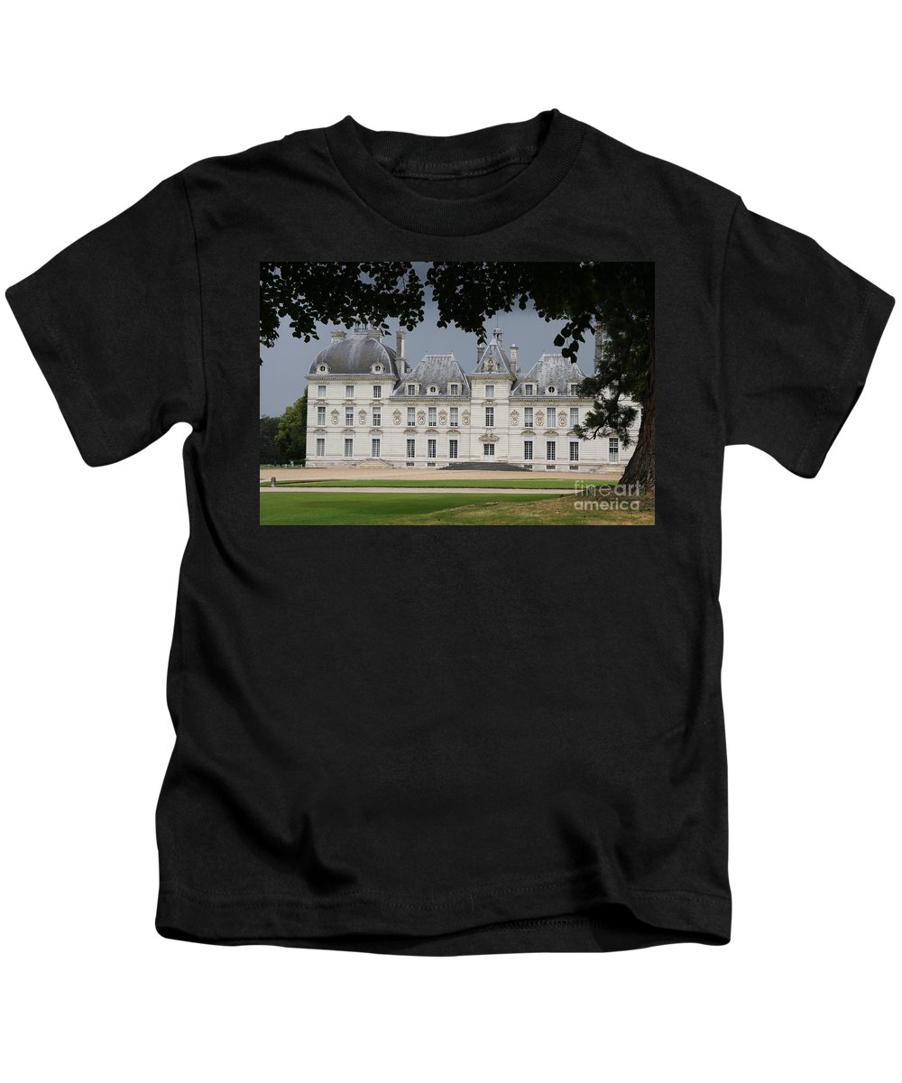 Palace Kids T-Shirt featuring the photograph Chateau De Cheverny - France by Christiane Schulze Art And Photography