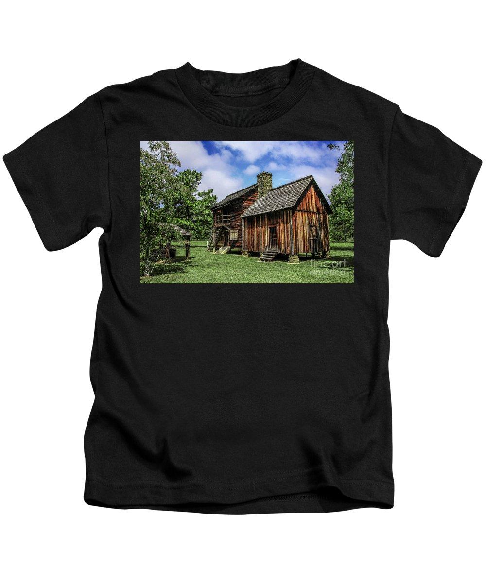 Cherokee Tavern Kids T-Shirt featuring the photograph Cherokee Tavern by Barbara Bowen