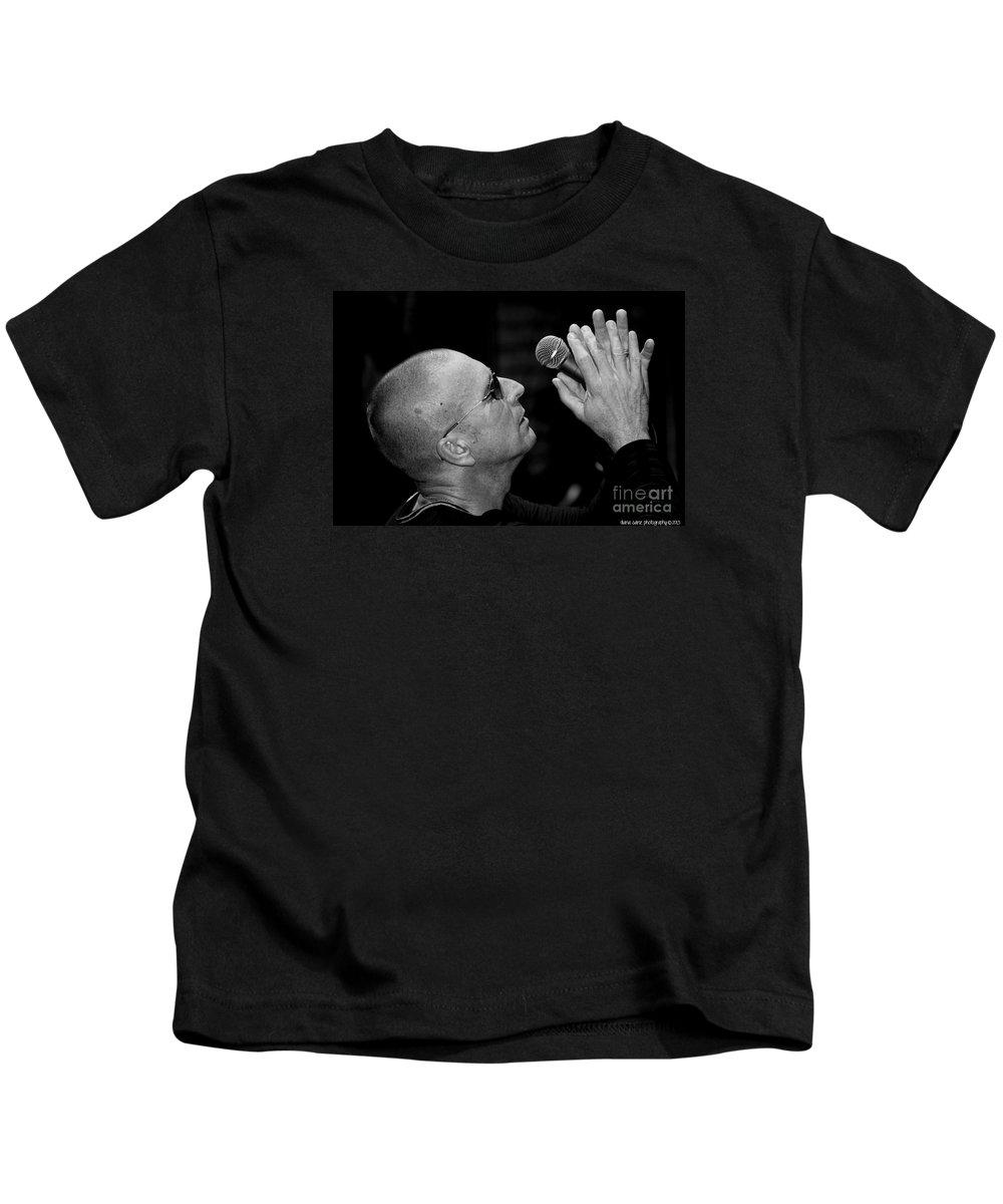 The Fixx Kids T-Shirt featuring the photograph Cy Curnin The Fixx By Diana Sainz by Diana Raquel Sainz