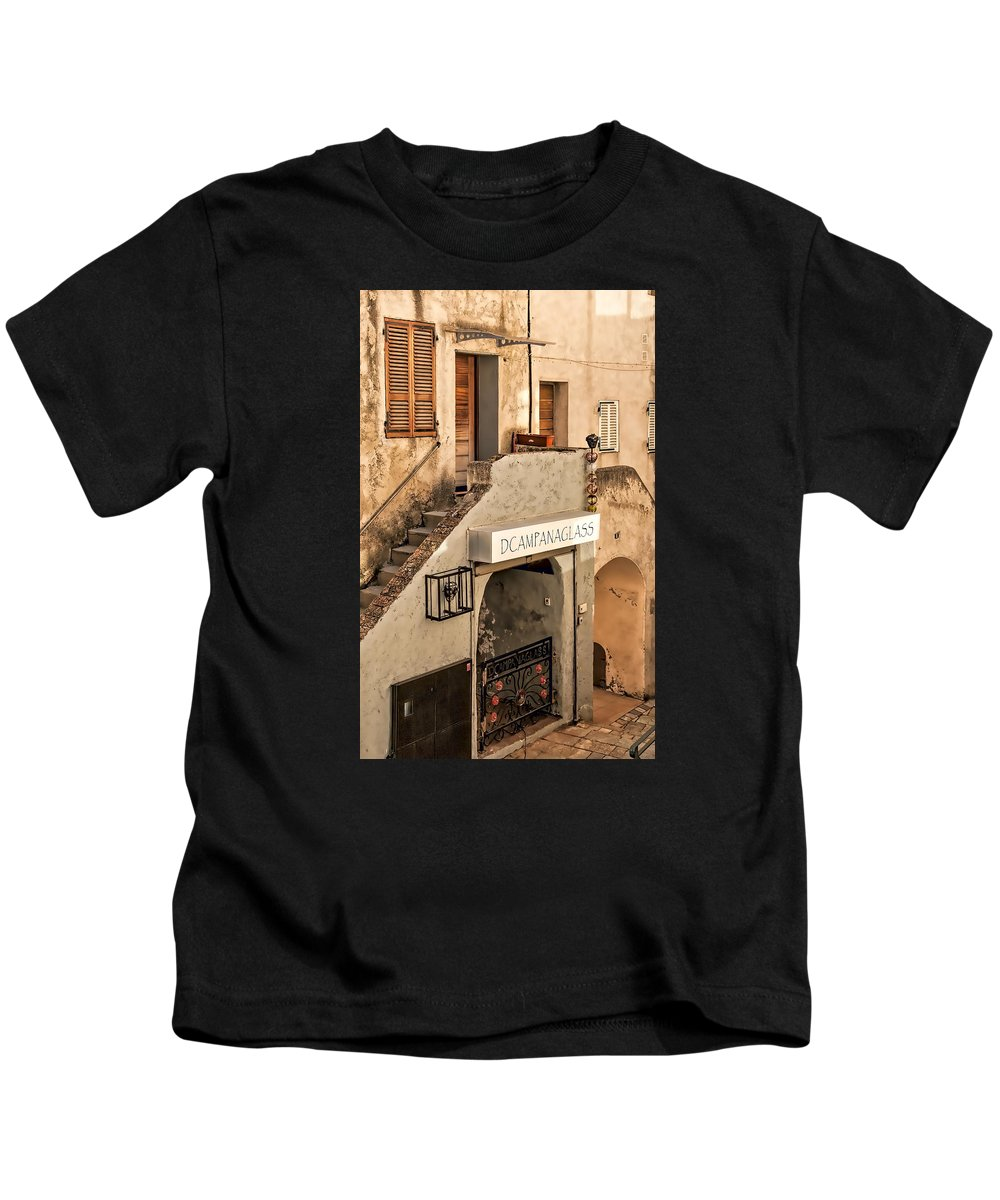 Architecture Kids T-Shirt featuring the photograph Dcampanaglass by Maria Coulson