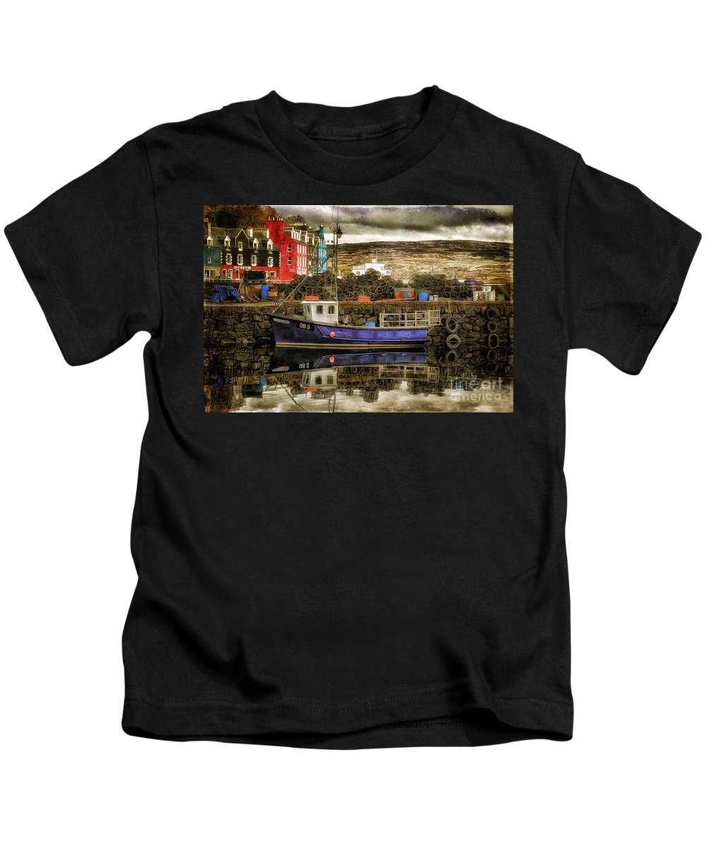 Boat Kids T-Shirt featuring the photograph Tobermory Isle Of Mull by Lois Bryan