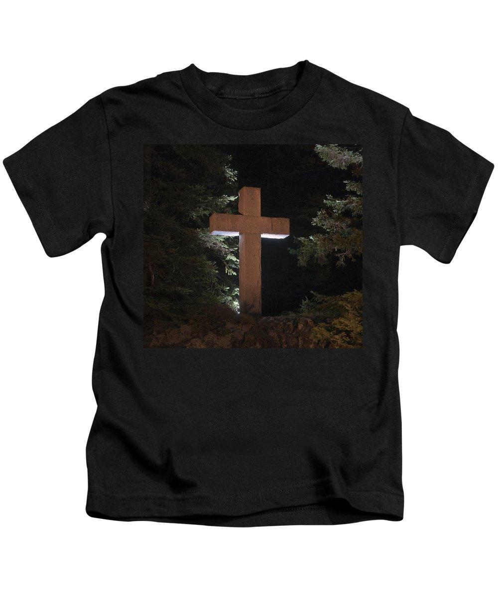 Cross Kids T-Shirt featuring the photograph Easter Cross by Glenn Gordon
