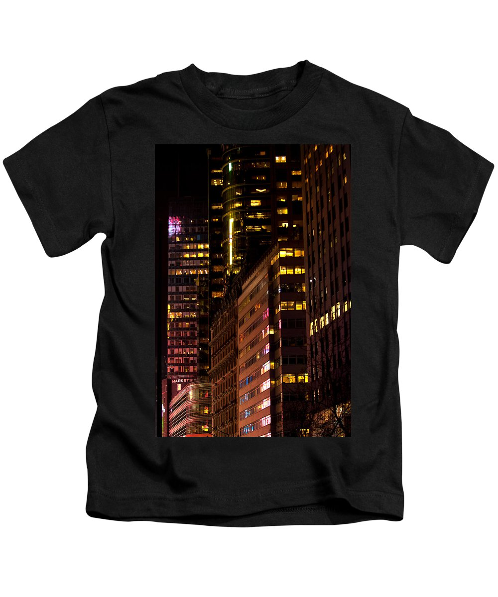 """""""new York City"""" Kids T-Shirt featuring the photograph Evening Color by Paul Mangold"""
