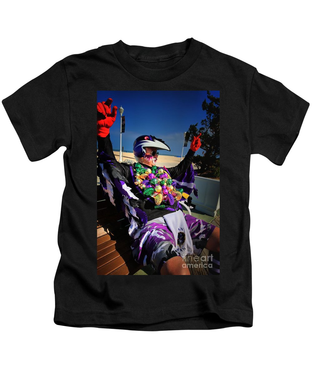 Kids T-Shirt featuring the photograph fAN mAN 2 by Robert McCubbin