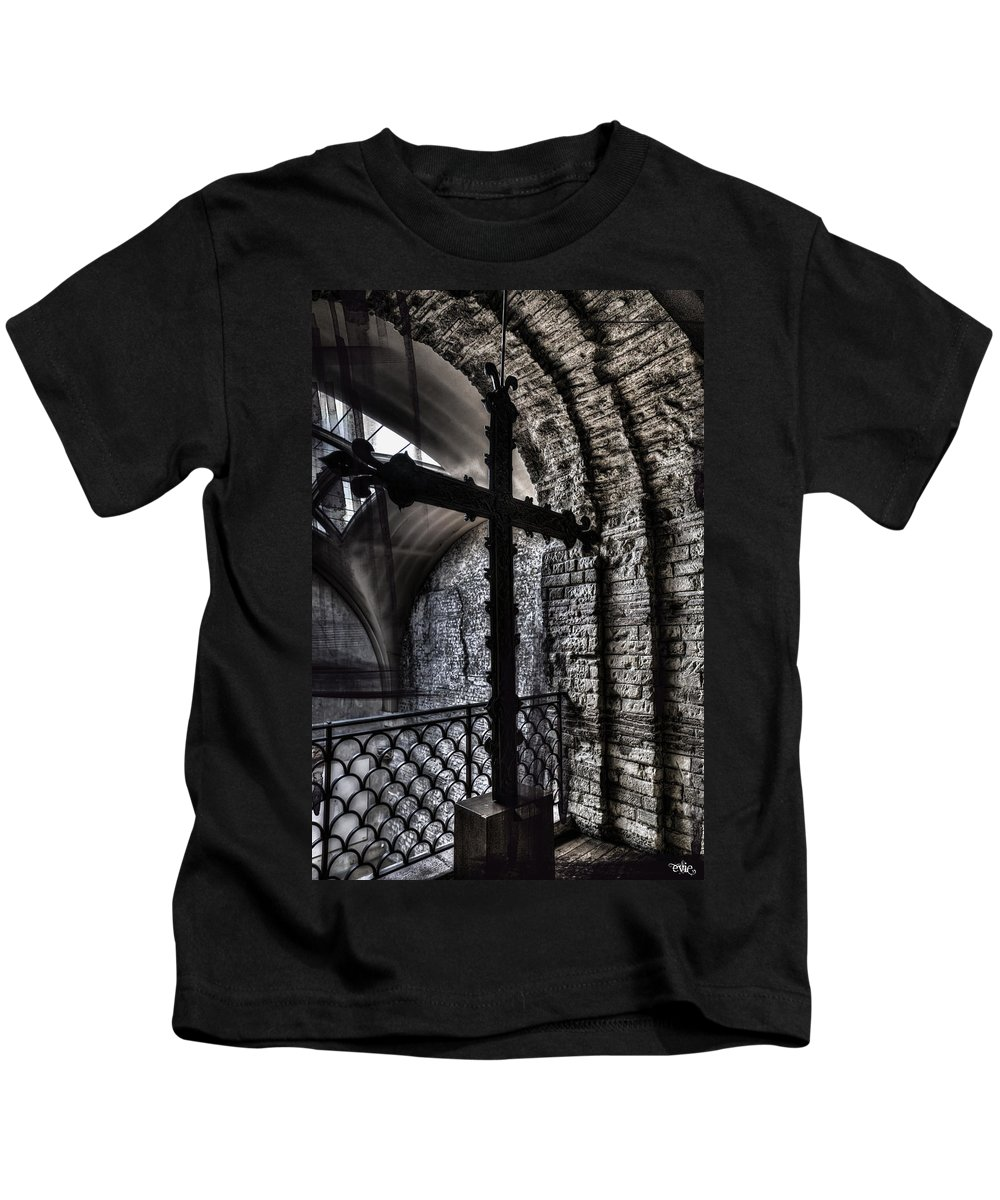 Arch Kids T-Shirt featuring the photograph Fifteenth Century Cross by Evie Carrier