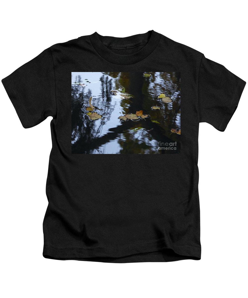 Kids T-Shirt featuring the photograph Floating Leaves by Nili Tochner