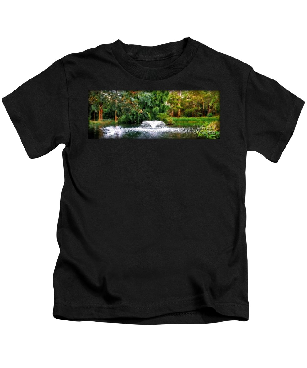 Photography Kids T-Shirt featuring the photograph Fountain In The Park by Kaye Menner
