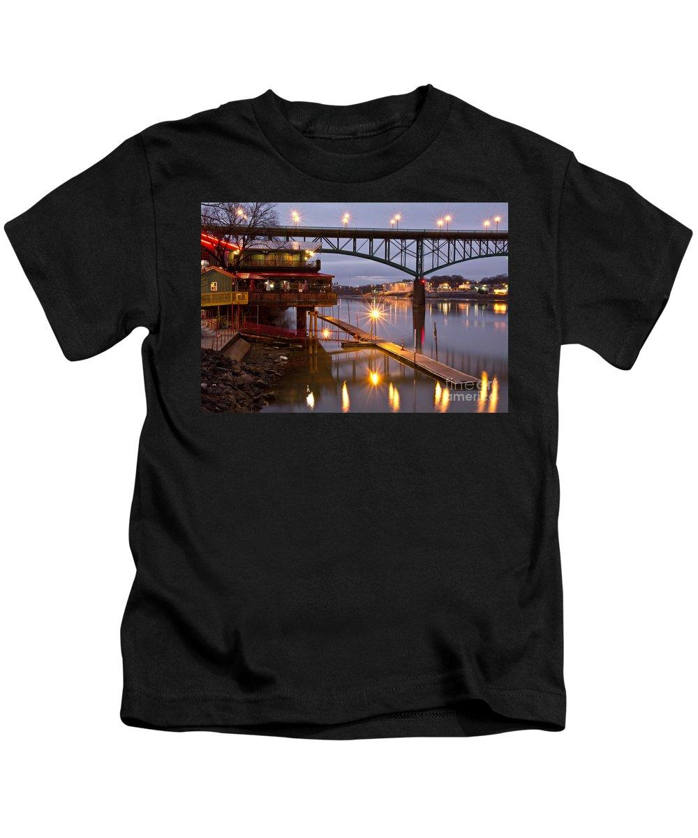 Calhoun's Kids T-Shirt featuring the photograph Good Morning Knoxville by Douglas Stucky
