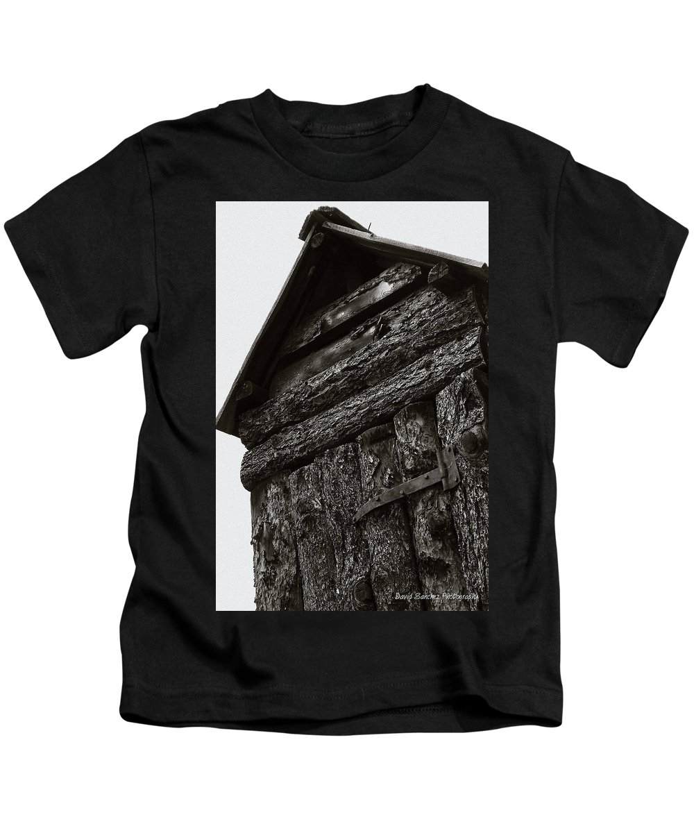 Outhouse Kids T-Shirt featuring the photograph Gotta Go by David Sanchez