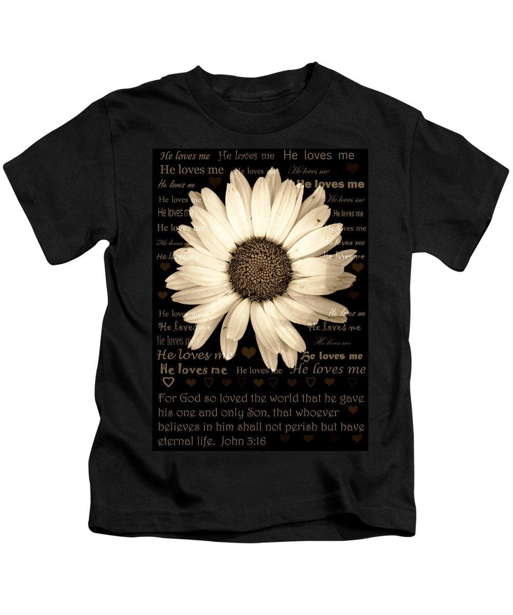 Daisy Kids T-Shirt featuring the photograph He Loves Me by Karen Beasley