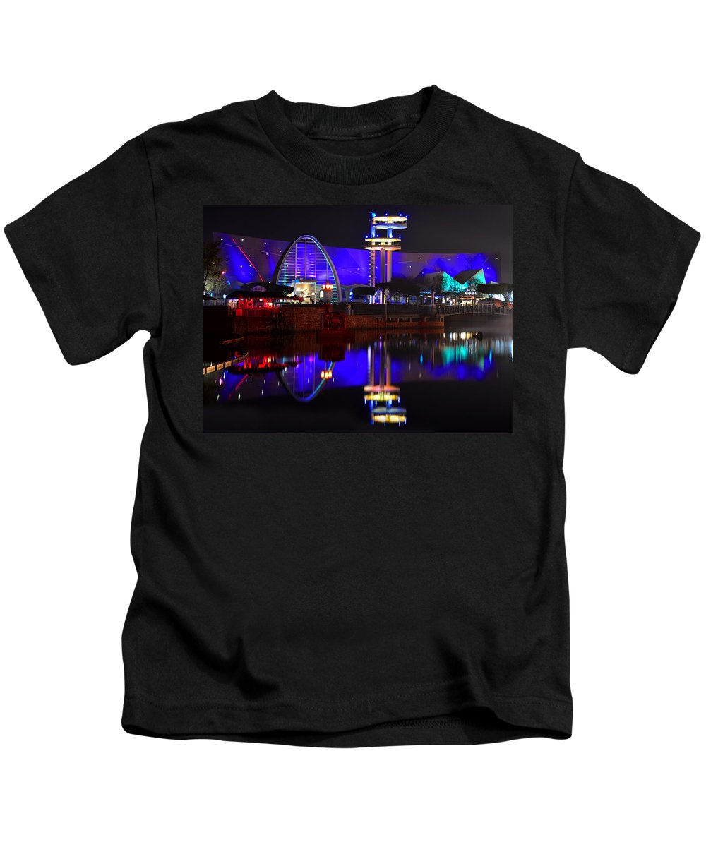 Men In Black Alien Attack Ride Kids T-Shirt featuring the photograph Hhn 23 Mib Work One by David Lee Thompson