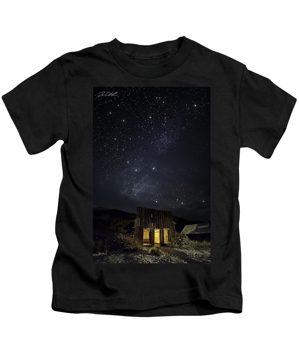 Ashcroft Kids T-Shirt featuring the photograph Home On The Range by Jon Blake