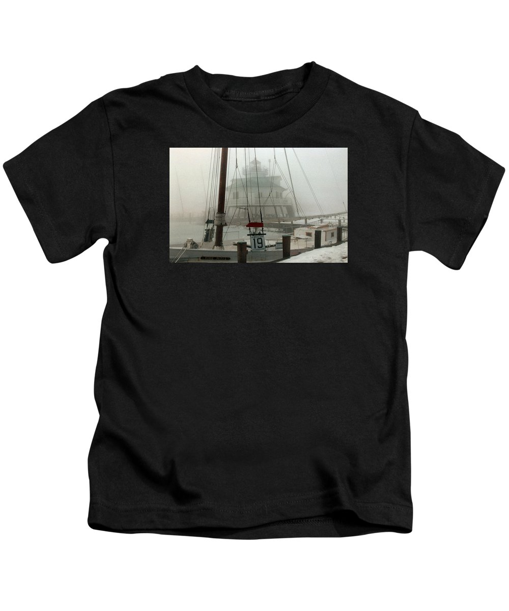 Lighthouse Kids T-Shirt featuring the photograph Hooper Straight Lighthouse by Skip Willits
