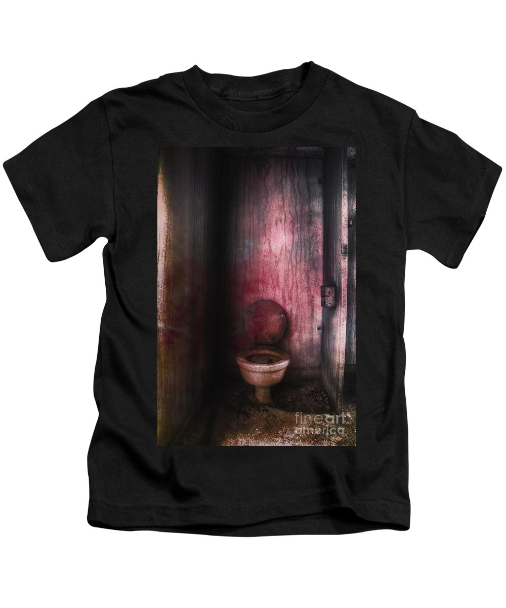 Toilet Kids T-Shirt featuring the photograph Hot Seat by Margie Hurwich